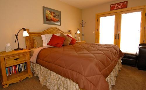 Viking Lodge 212 - Telluride, CO 81435