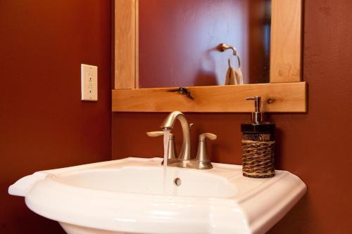 Alpenglow 10 Apartment Photo