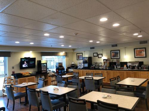 Best Western Plus Edmonds Harbor Inn Photo