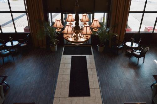 Mystic River Inn - Mystic, CT 06355