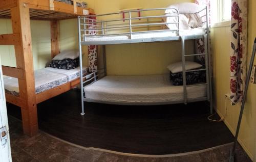 Kicking Horse Hostel - Golden, BC V0A 1H0