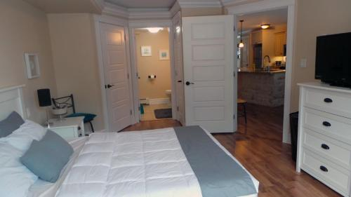 Vitalia Court Guest House - Halifax, NS B3S 0C4