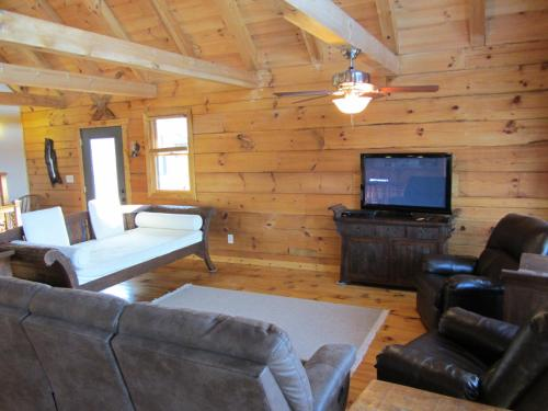 Ashton Ridge Cabins