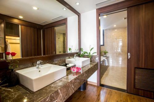 Authentic Hanoi Hotel photo 45
