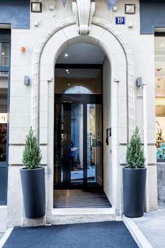 Rue Grand-Saint-Jean 19, 1003 Lausanne, Switzerland.
