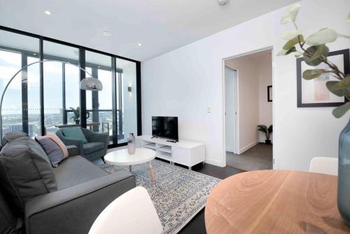Fabulous Premium Skyscraper Apartment w/ Pool