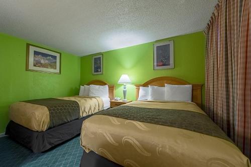 Rodeway Inn Photo