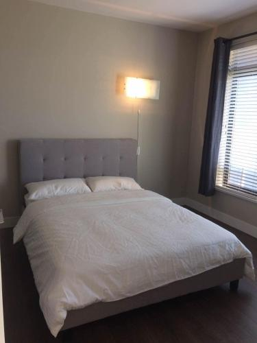 Turnkey Executive Guest House Rooms In Luxury Home - Richmond, BC V7A 2A5
