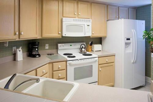 Windsor Court N. 4504 Apartment Photo