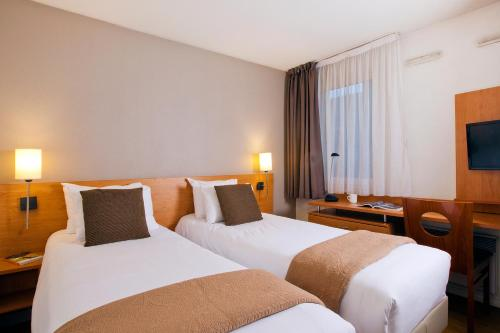 S jours affaires pantin charles de gaulle h tel 139 for Appart hotel pantin