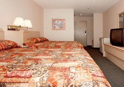 Rodeway Inn and Suites Sublimity Photo