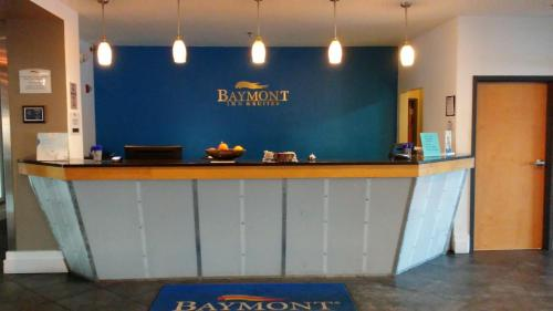 Baymont Inn & Suites Indianapolis Northeast Photo