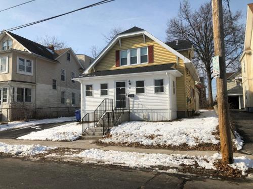 Charming Home In Hartford's North End - Hartford, CT 06112