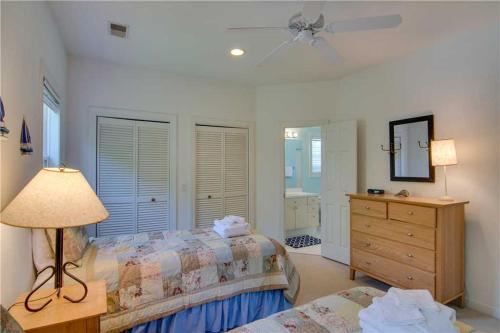 Pelican Bay 62 Holiday Home Photo