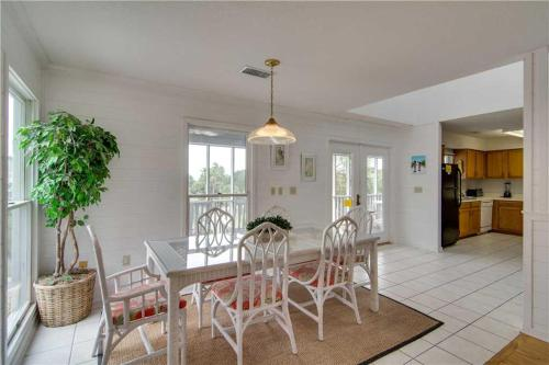 Pelican Bay 34 Holiday Home Photo