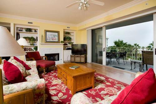 SeaCrest 2300 Villa Photo