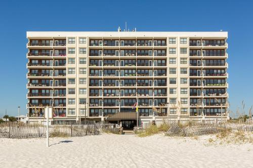 Waterfront Beauty In Gulf Shores Condo
