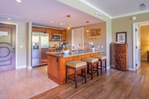 Golden Shores at 242 Konea Apartment Photo
