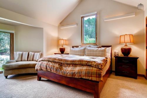Sunlight Grove at Le Chamonix Apartment Photo