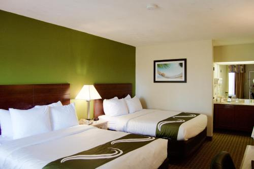 Quality Inn & Suites St. Petersburg – Clearwater Airport Photo