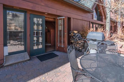 Beaver Creek Condo R-16 Condo - Vail, CO 81620