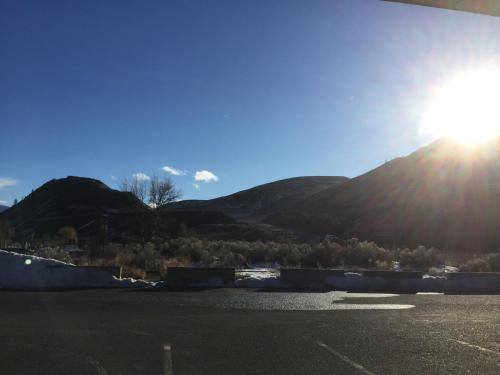 Riverside Motel Cache Creek - Cache Creek, BC V0K 1H0