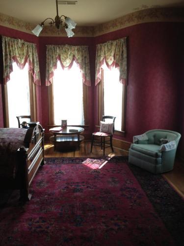 Claymore Manor B&b - Huntington, IN 46750