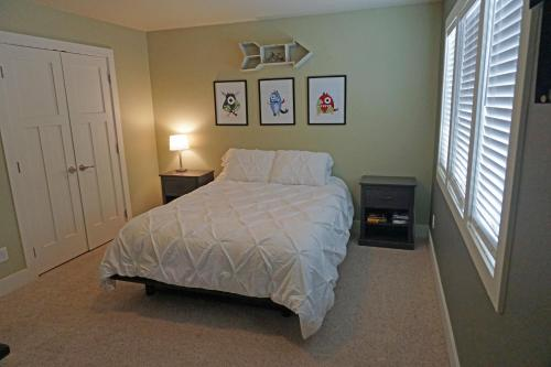 Old Town Craftsman Home - Fort Collins, CO 80521