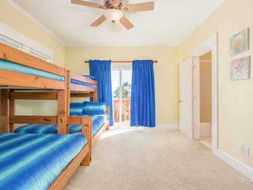 Mutiny Holiday Home 13723 Home - Galveston, TX 77554