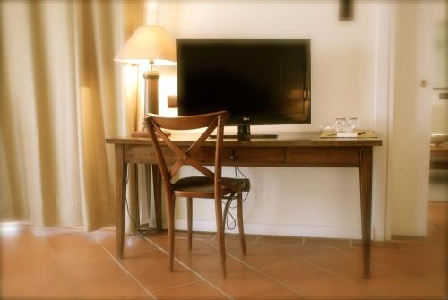 Suite Hotel Cigarral el Bosque 15