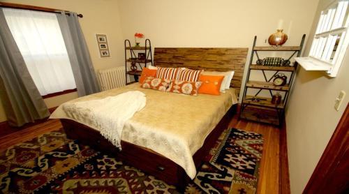 Urbant Retreat Two Bedroom Apartment - Minneapolis, MN 55409