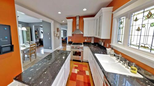 Linden Hills Luxury Charmer Four Bedroom House - Minneapolis, MN 55410