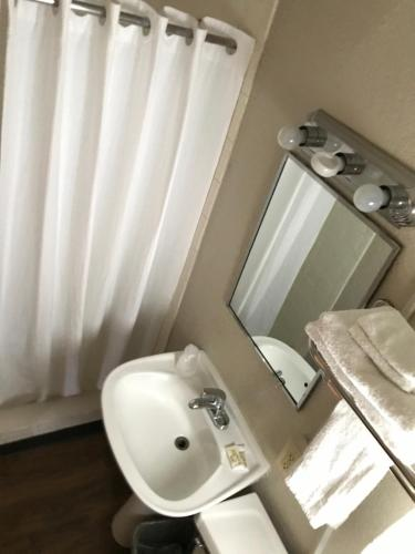 Residential Inn - Extended Stay - Elkhart, IN 46517