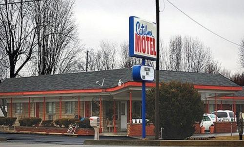 Catalina Airport Motel