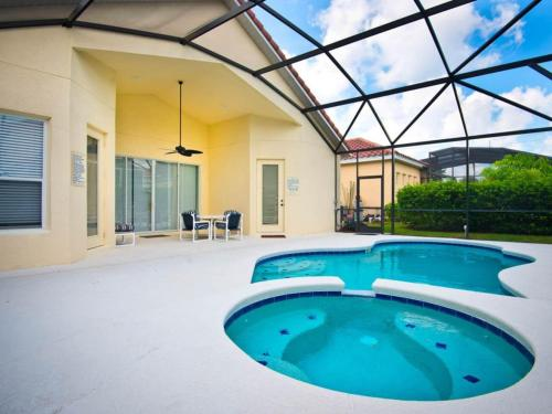 Tropical Oasis By Wyndham Vacation Rentals