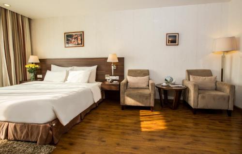 Authentic Hanoi Hotel photo 60