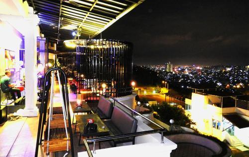 Crown Vista Hotel photo 37