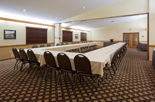 Americinn By Wyndham Fergus Falls - Conference Center - Fergus Falls, MN 56537