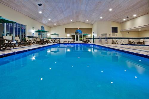 Country Inn & Suites by Radisson, Des Moines West, IA Photo