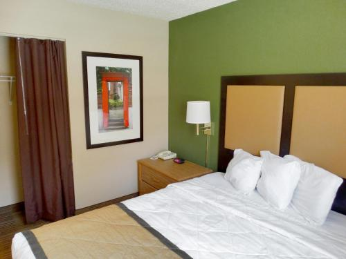 Extended Stay America - Indianapolis - West 86th St. photo 5