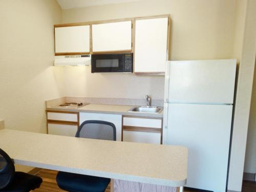Extended Stay America - Indianapolis - West 86th St. photo 8