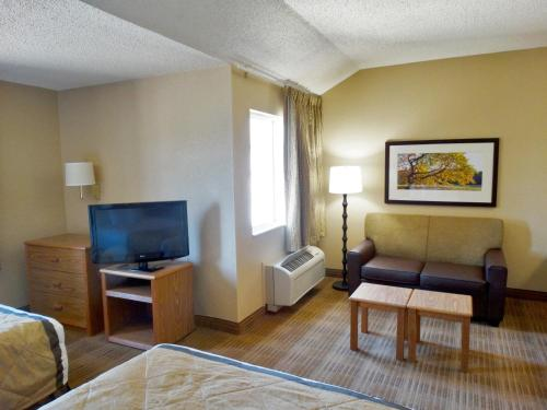 Extended Stay America - Indianapolis - West 86th St. photo 11
