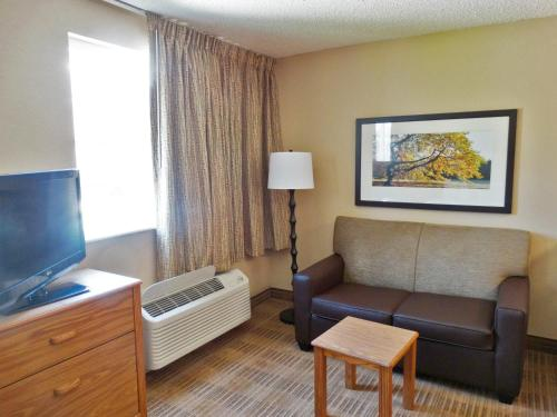 Extended Stay America - Indianapolis - West 86th St. photo 16