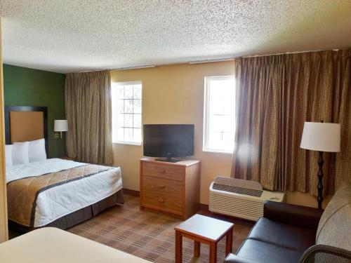 Extended Stay America - Indianapolis - West 86th St. photo 17