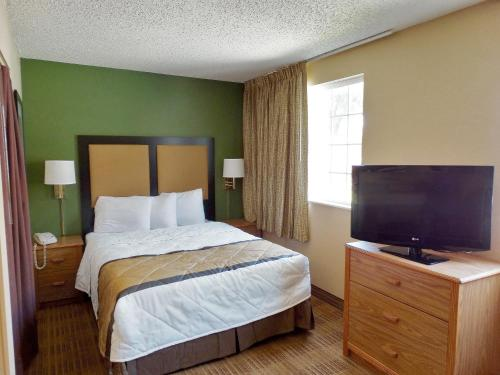 Extended Stay America - Indianapolis - West 86th St. photo 18