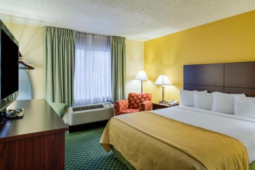 Quality Inn Newark Photo