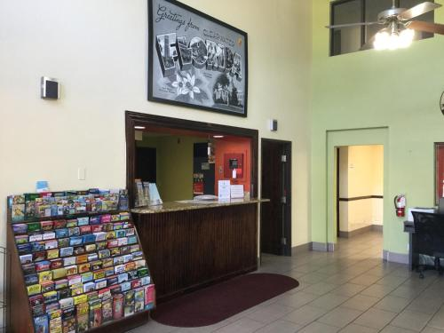 Super 8 Tampa St. Petersburg Clearwater International Airport Photo
