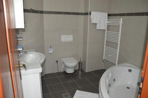 https://q-xx.bstatic.com/images/hotel/max500/128/128401258.jpg