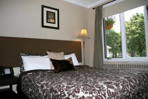 Noretta Motel - Stratford, ON N5A 3J6