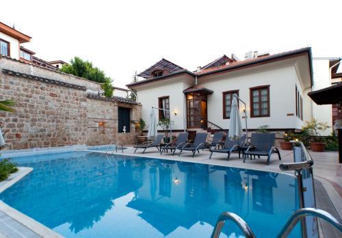 Mermerli Banyo Sokak No:5, Antalya, 07100, Turkey.